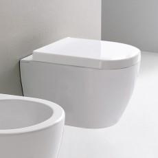 Окачена тоалетна чиния MOON 45 БЕЗ РЪБОВЕ с капак плавно затваряне къса проекция