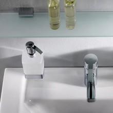 Аксесоари за баня хром: окачен дозатор за течен сапун LOFT - хром