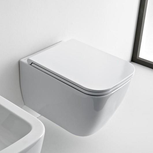 Окачена тоалетна чиния TEOREMA 2.0 БЕЗ РЪБОВЕ с капак плавно затваряне