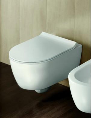 Окачена тоалетна чиния FUSION БЕЗ РЪБОВЕ с капак плавно затваряне